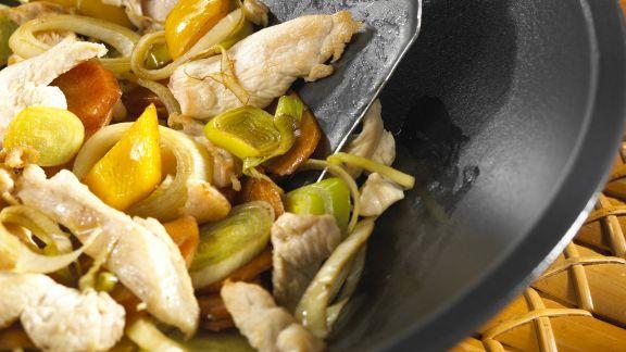 Rezept: Hähnchen mit Gemüse aus dem Wok