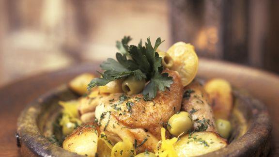 Rezept: Hähnchen mit Oliven und Salzzitronen aus der Tajine