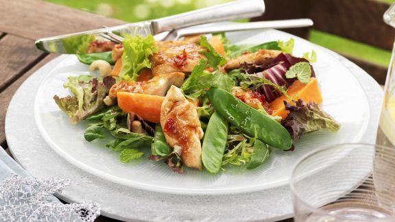 Rezept: Hähnchen-Papaya-Salat mit Cashewnüssen