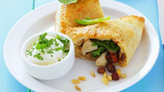 Rezept: Hähnchen-Spinat-Taschen mit Rosinen