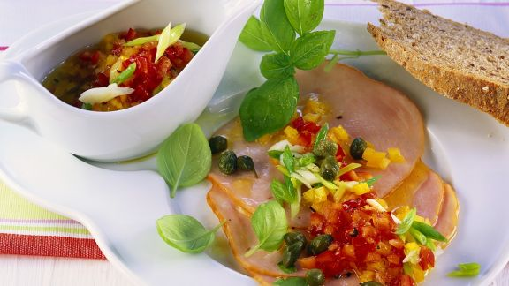 Rezept: Hähnchenaufschnitt mit Paprikasauce