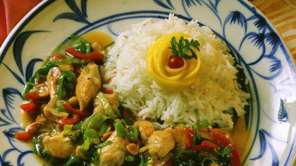 Rezept: Hähnchenbrust mit Gemüse aus dem Wok