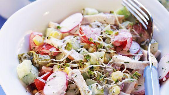 Rezept: Hähnchenbrust mit Gemüsesalat