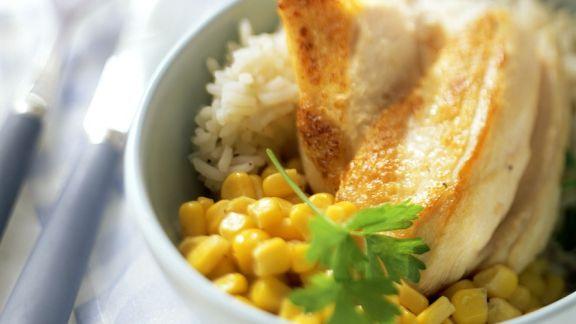 Rezept: Hähnchenbrustfilet mit Mais und Reis