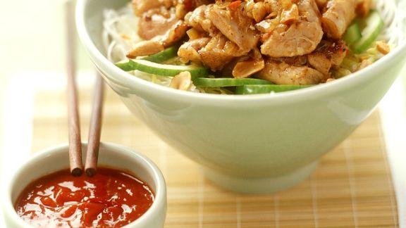 Rezept: Hähnchencurry auf Nudeln