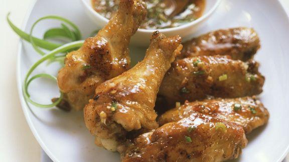 Rezept: Hähnchenflügel mit Chili-Dip