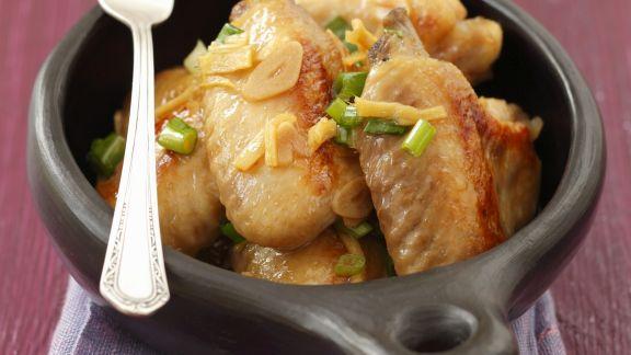 Rezept: Hähnchenflügel mit Ingwer, Knoblauch, Honig und Lauchzwiebeln
