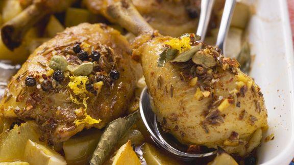 Rezept: Hähnchenkeule auf orientalische Art mit gebackenen Kartoffeln