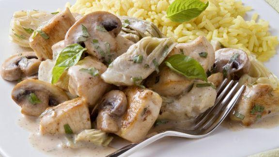 Rezept: Hähnchenpfanne mit Artischocke, Champignon und Basilikum