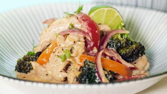 Rezept: Hähnchenpfanne mit Brokkoli, Zwiebeln und Paprika