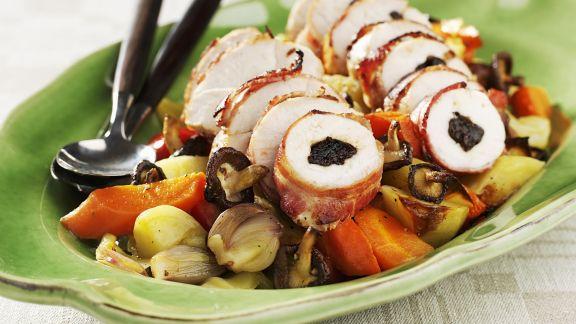 Rezept: Hähnchenroulade mit Zwetschgen gefüllt dazu Gemüse