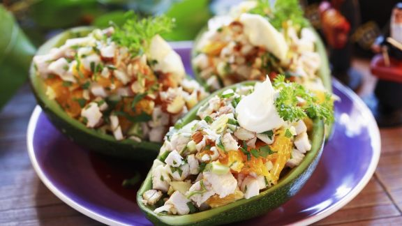Rezept: Hähnchensalat in der Avocado