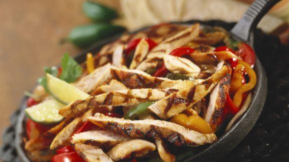 Rezept: Hähnchenstreifen mit Paprikagemüse