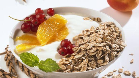 Rezept: Haferflocken-Müsli mit Früchten