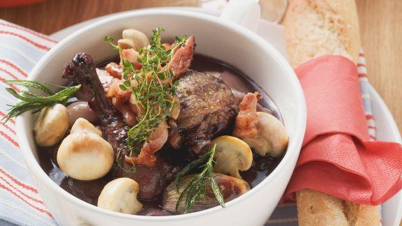 Rezept: Hahn in Weinsoße (Coq au vin)