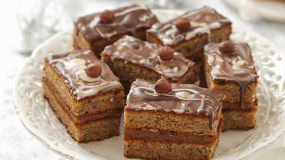 Rezept: Haselnuss-Toffee-Schnitte mit Schokolade
