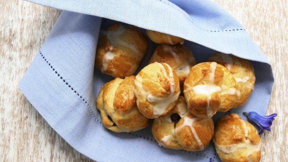 Rezept: Hefebrötchen auf englische Art (Hot Cross Buns)