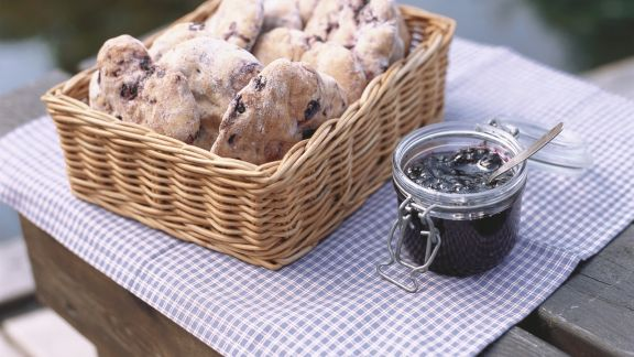 Rezept: Heidelbeersemmeln und Heidelbeerkonfitüre
