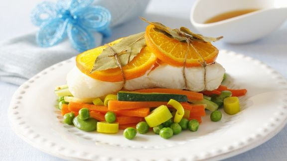 Rezept: Heilbuttfilet mit Orangen und Gemüse