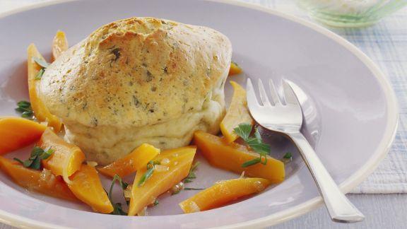 Rezept: Herzhaftes Soufflee mit Kräutern und Gemüse
