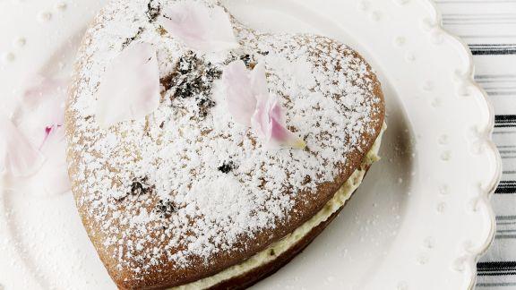 Rezept: Herzkuchen mit Vanillefüllung