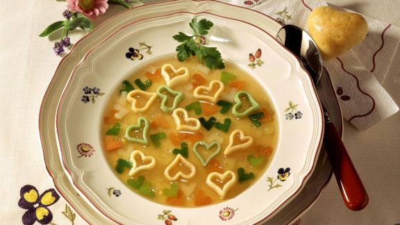 Rezept: Herznudelsuppe mit Gemüse