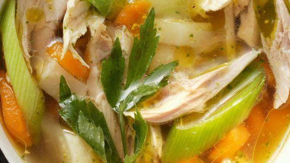Rezept: Hühnerbrühe mit Gemüse