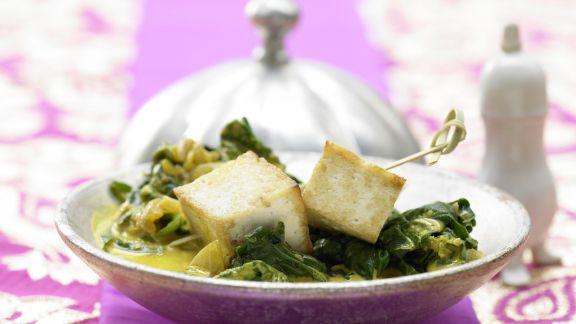 Rezept: Indischer Käse auf Kokos-Spinat