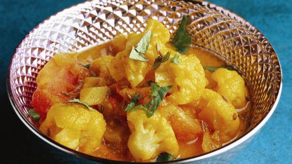 Rezept: Indisches Blumenkohl-Curry mit Kartoffeln