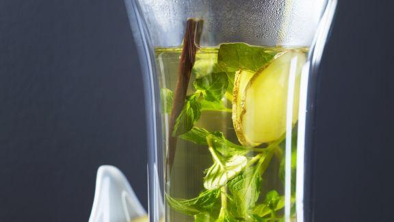 Rezept: Ingwer-Minz-Tee mit Süßholz