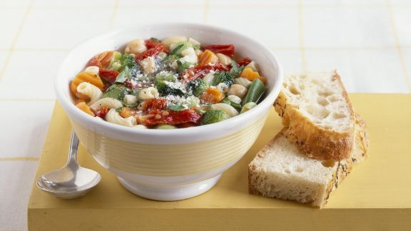 Rezept: Italienische Gemüsesuppe (Minestrone)