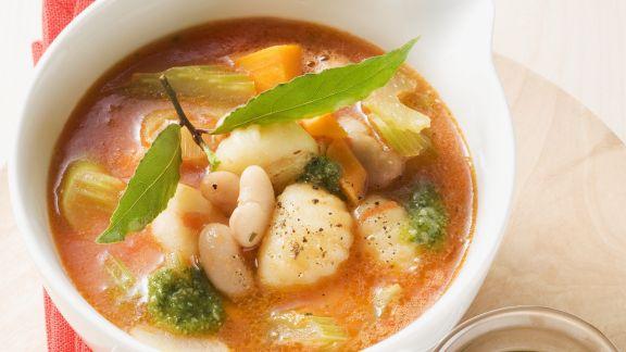 Rezept: Italienische Gemüsesuppe mit Gnocchi