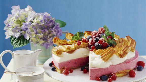 Rezept: Joghurt-Beeren-Torte