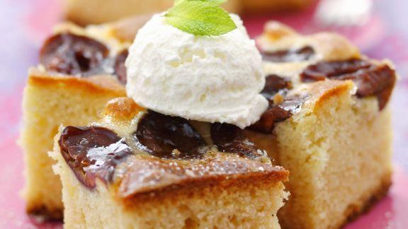 Rezept: Joghurt-Zwetschgen-Kuchen