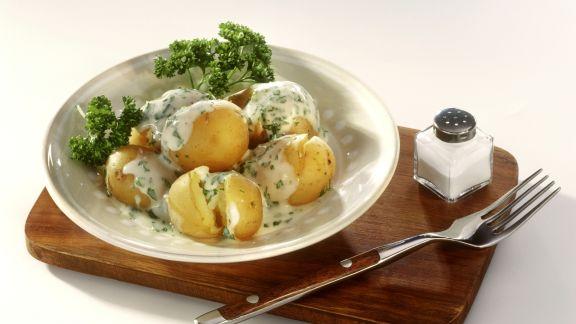 Rezept: Junge Kartoffeln mit Petersiliensoße