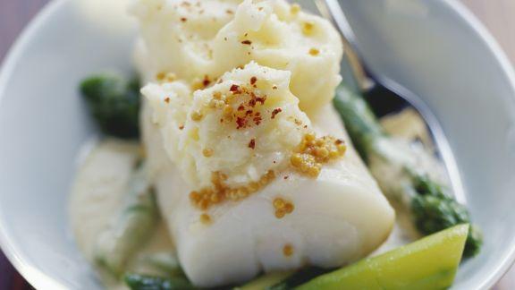Rezept: Kabeljaufilet mit Senfsoße dazu Kartoffelbrei und grüner Spargel