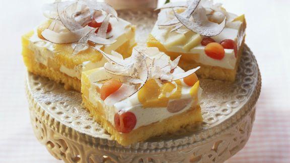 Rezept: Käsekuchen mit Südfrüchten und Kokoschips