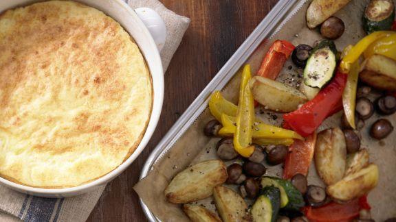 Rezept: Käsesoufflé mit buntem Gemüse