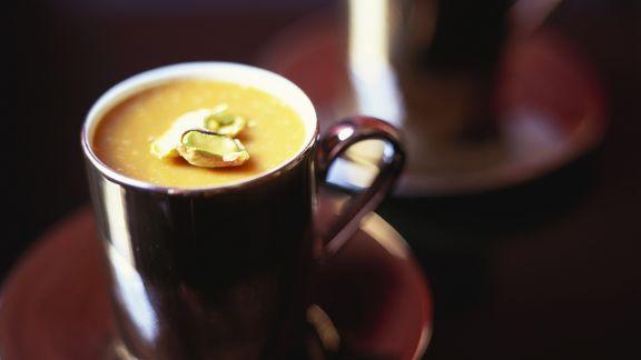 Rezept: Kaffeemousse mit Pistazien