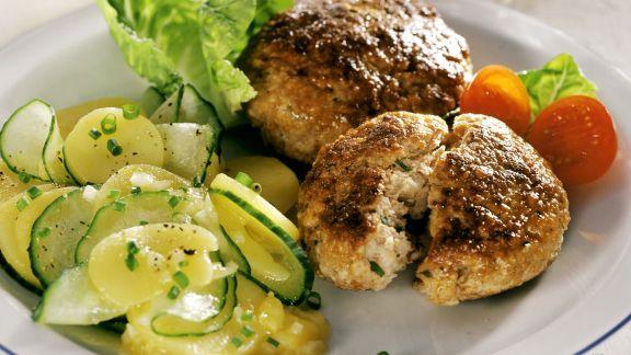 Rezept: Kalbsbuletten mit Kartoffelsalat