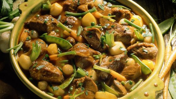 Rezept: Kalbsfleischeintopf mit Karotten, Bohnen und Mairübchen