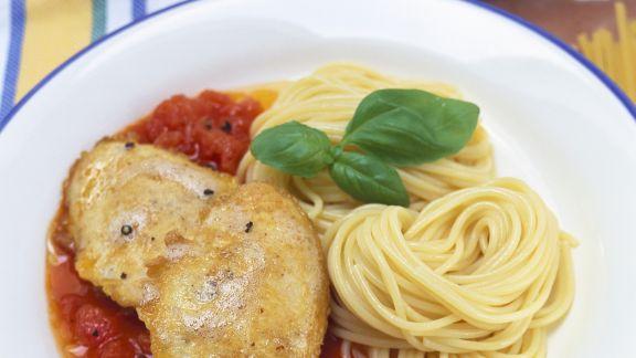 Rezept: Kalbsschnitzel mit Nudeln (Piccata alla milanese)