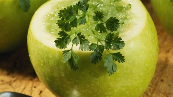 Rezept: Kalte Apfelsuppe mit Kerbel