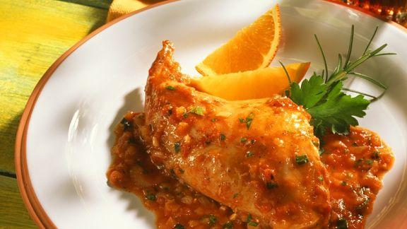 Rezept: Kaninchen mit Tomatensauce aus dem Römertopf