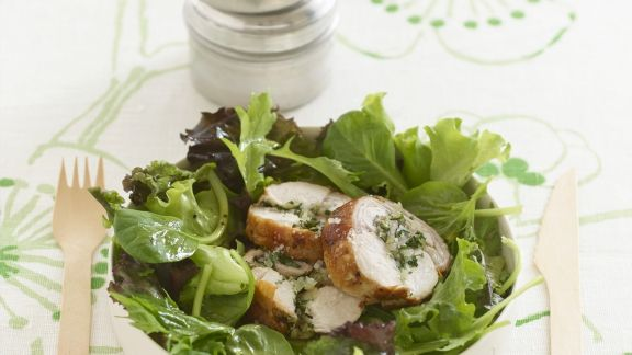 Rezept: Kaninchenrouladen mit grünem Salat