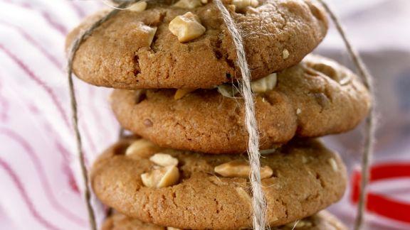 Rezept: Karamell-Cookies mit Nussstückchen