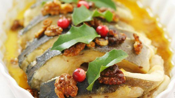 Rezept: Karpfen mit Nuss-Honig-Soße