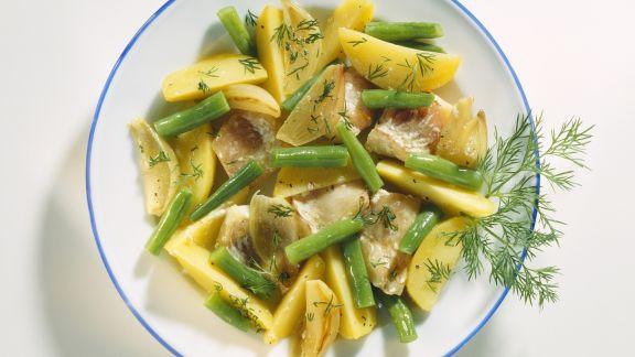 Rezept: Kartoffel-Fisch-Pfanne mit grünen Bohnen, Dill und Schalotten