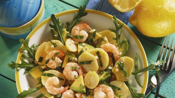 Rezept: Kartoffel-Garnelen-Salat mit Rucola und Avocado