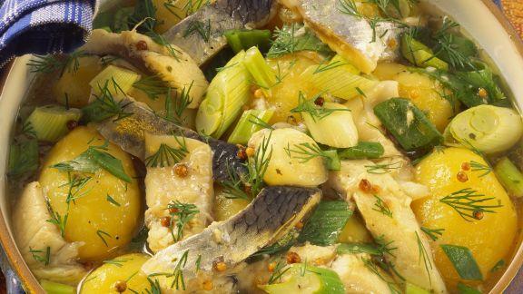 Rezept: Kartoffel-Herings-Eintopf mit Lauchzwiebeln